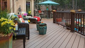 6 Tips To Style Your Deck This Summer