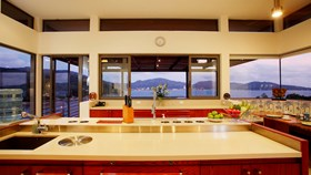 How To Maximize Your Kitchen Counter Space