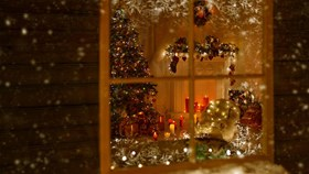 Time To Get Festive: Decorating Your Windows For The Holidays