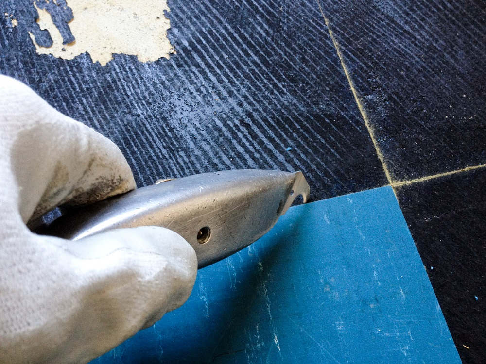 How To Remove Vinyl Flooring Removing Old Linoleum Floors Glue