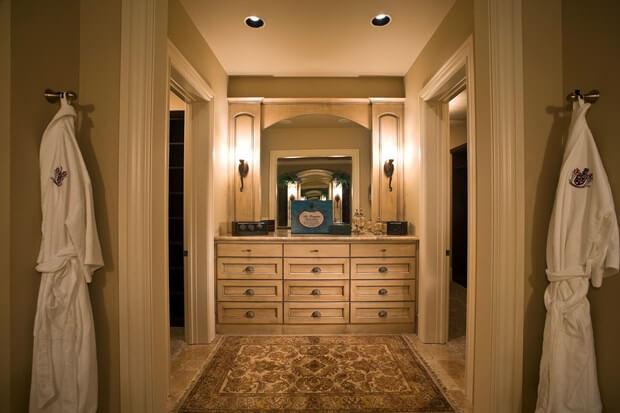 Bathroom Lighting: Replacing, Selecting & Installing