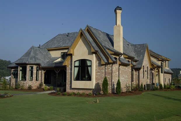 Why Pitched Roofs Are Better Than Flat