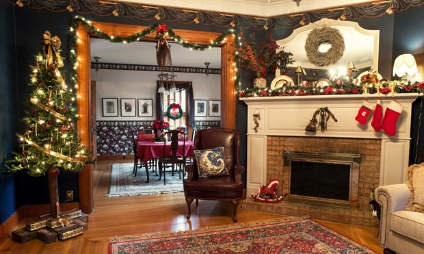 Holiday Mantel Decorations | Holiday Decorating Ideas ...