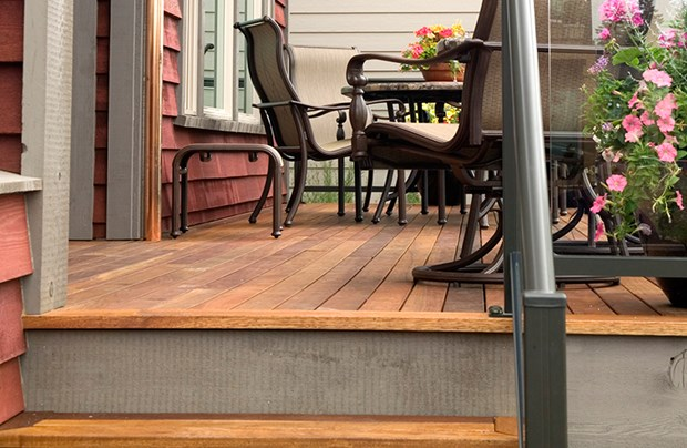 Diy tips for redwood decking how to build a redwood deck for Redwood deck plans