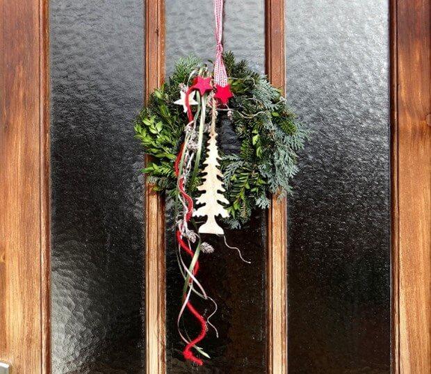 Door Decorating Ideas | Christmas Door Decorations