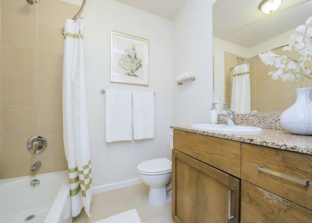 Ordinaire 4 Design Tips To Make A Small Bathroom Better