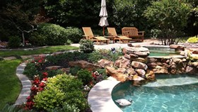 5 Landscaping Ideas For Pool Lovers