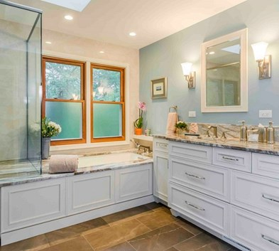 8 Ways To Make Your Bathroom More Inviting
