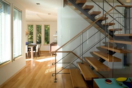 Lighting Basement Washroom Stairs: Stairwell Decorating Ideas