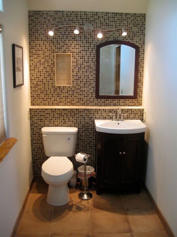 bathroom accent wall - Small Bathroom Decorating Ideas Color