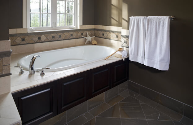 How To Refinish A Bathtub Reglazing Bathtub Bathtub - Refinish a bathroom