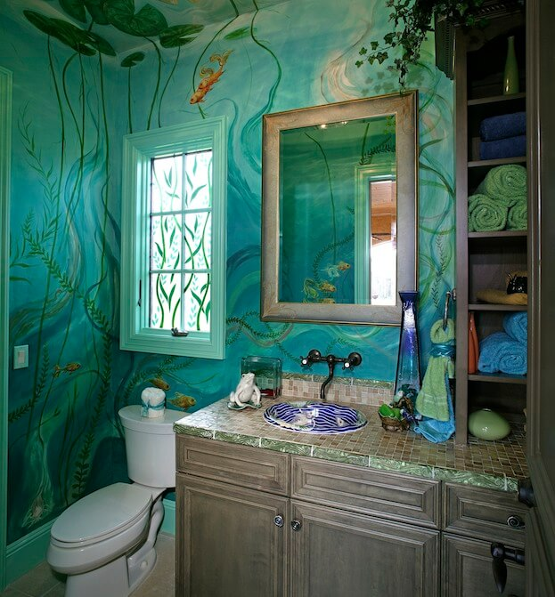 Small Bathroom: Bold Colors