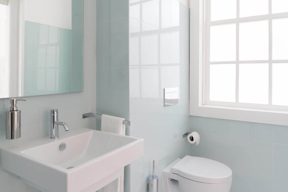 Small Bathroom Colors | Small Bathroom Paint Colors | Bathroom Wall Color  Ideas