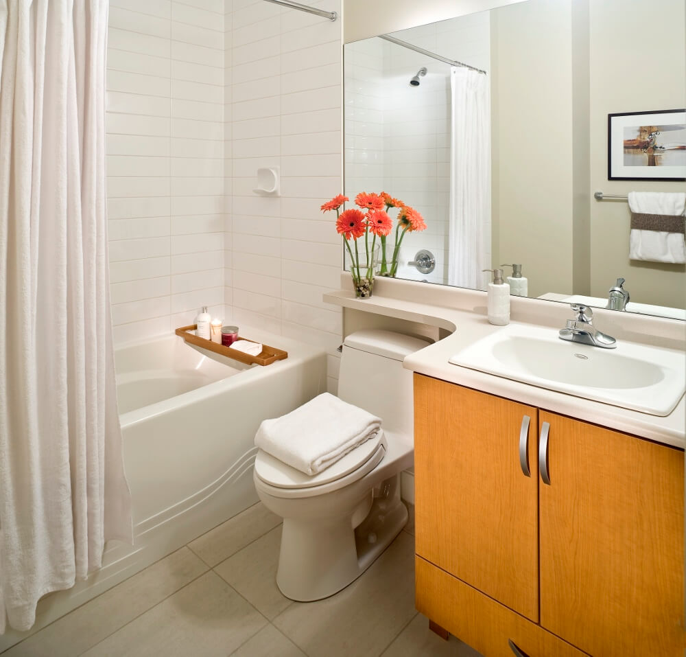 Diy home staging tips staging a home for Staging bathroom ideas