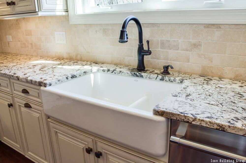 The Pros & Cons Of A Farmhouse Sink | Farmhouse Sinks