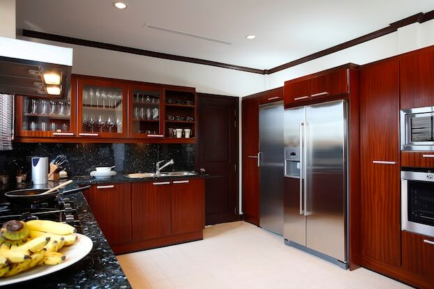 Best way to clean kitchen cabinets cleaning wood cabinets for Best cleaner for greasy wood kitchen cabinets